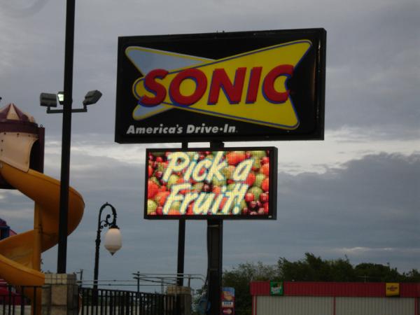 led sign, boulder, denver, broomfield, led screen, video sign, color
