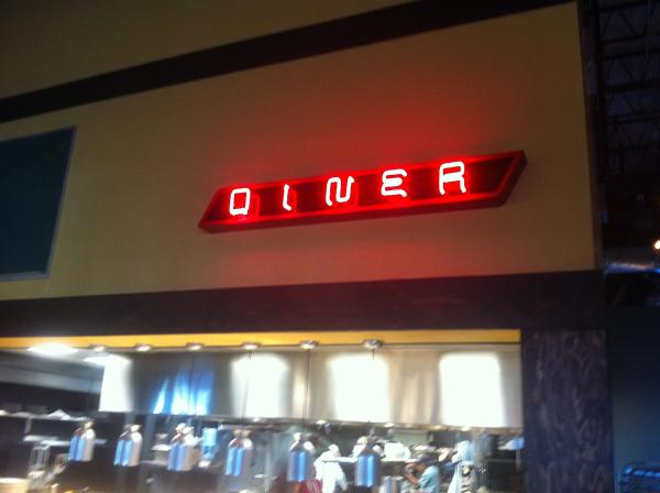 interior-restaurant-neon-sign